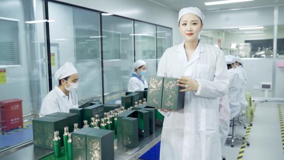 仁真卓玛:继承父业 打造安全有效的鱼子酱护肤品